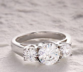 Moissanite Engagement Guide