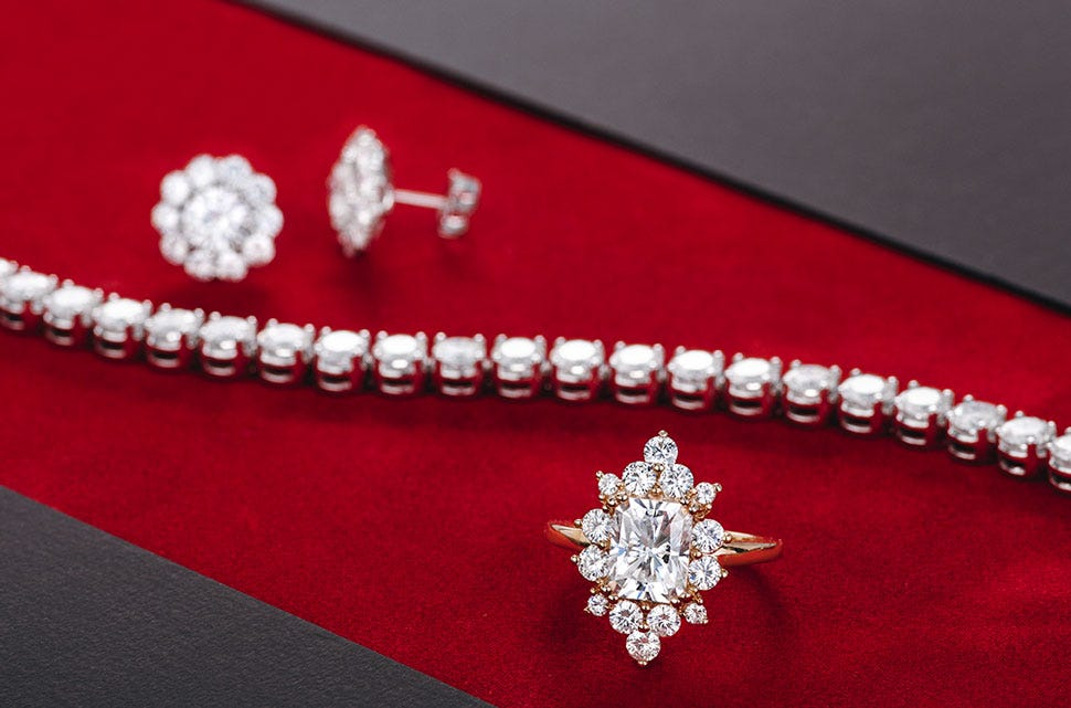 How Moissanite Can Help Your Red-Carpet Style Shine