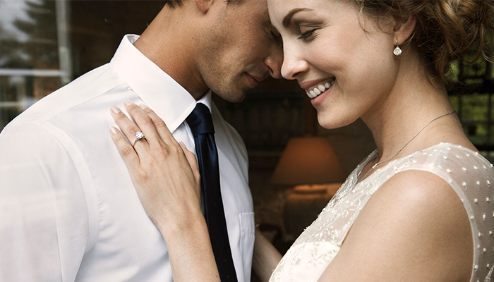 7 Things You MUST Do Right After You Get Engaged